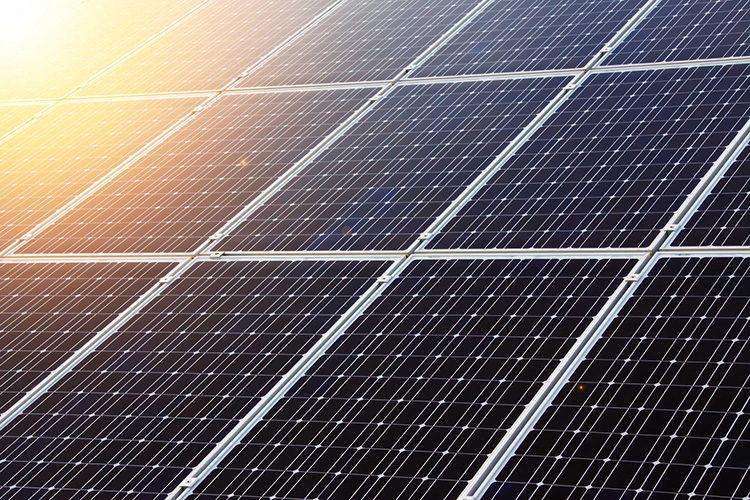 Engie construit une centrale solaire au Sénégal